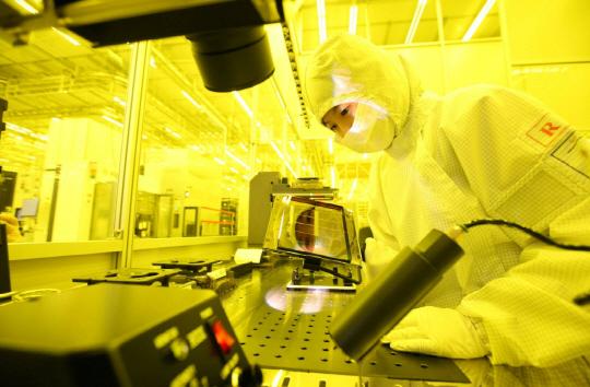 韩国三星电子的半导体生产车间