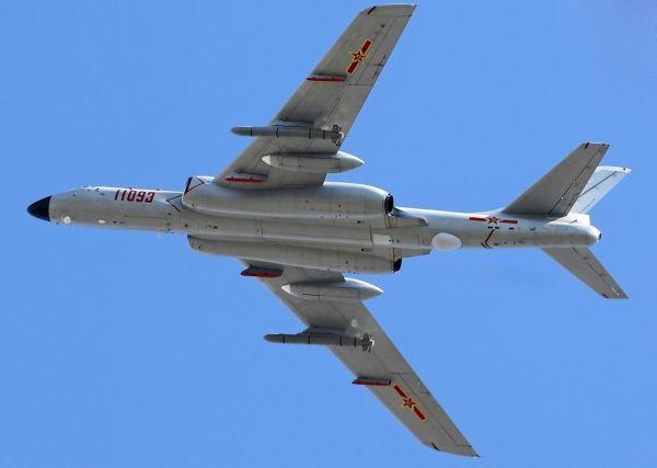 原料图片:挂载巡航导弹的中国空军轰-6K轰炸机。(图片来源于网络)