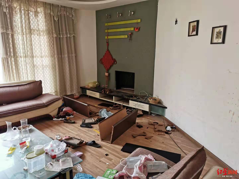 12死379伤!苏州武汉遭龙卷风袭击 2吨重货车被吹走