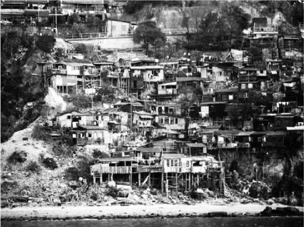 20世纪70年代山脚下的房屋