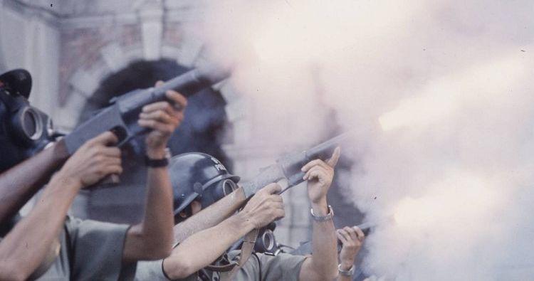1967年港英政府镇压示威群众