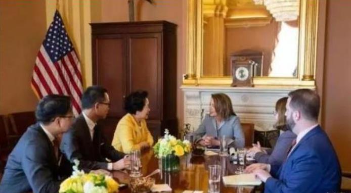 △陈方安生与美国众议院议长洛佩西