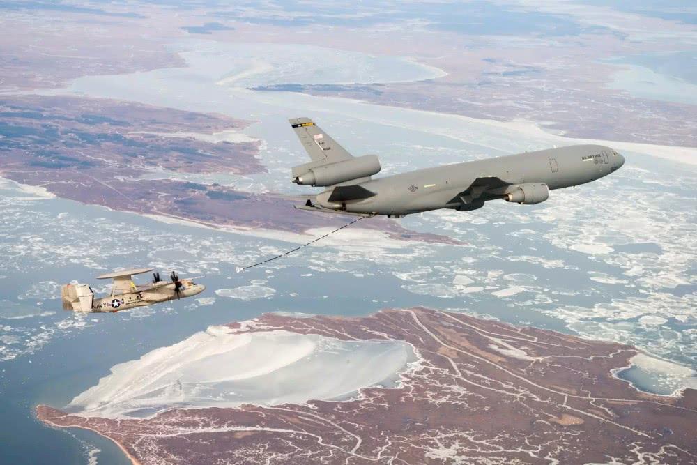 E-2D將依賴空中加油增加任務時間 圖源:波音