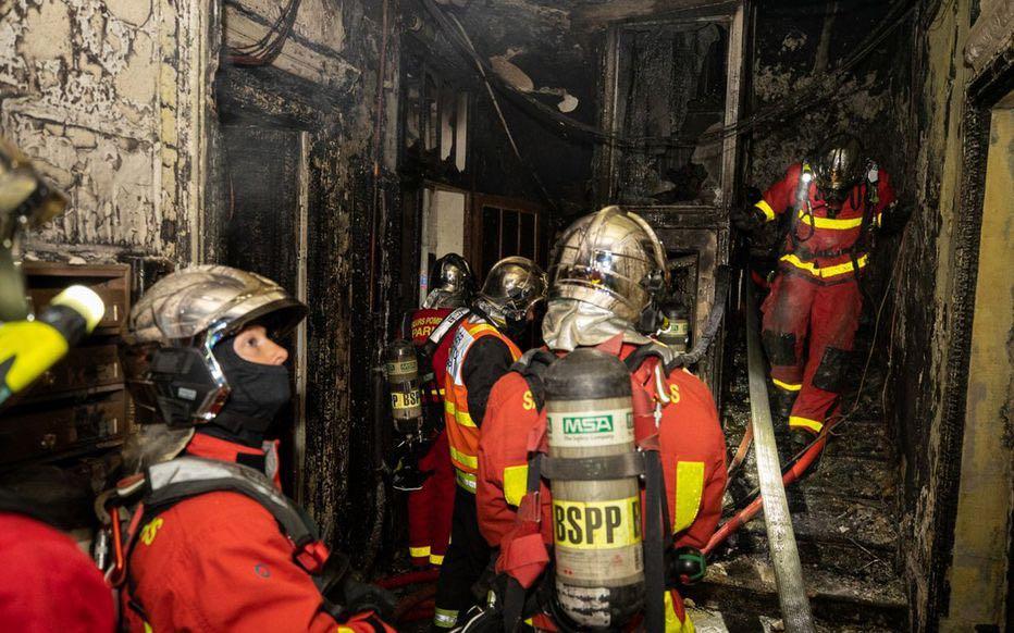 巴黎市政厅附近一幢建筑发生火灾 男子在房中身亡