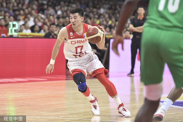 孙铭徽等球员是红、篮分队的受益者 @视觉中国