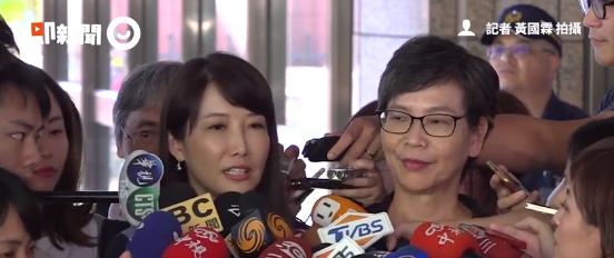 """蔡沁瑜(左)与蔡壁如(右)10日在台""""中选会""""受访(台媒截图)"""
