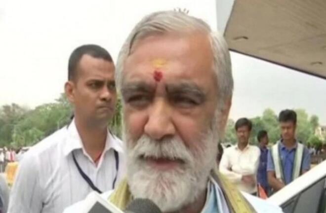 印度卫生部长(图源:ANI)