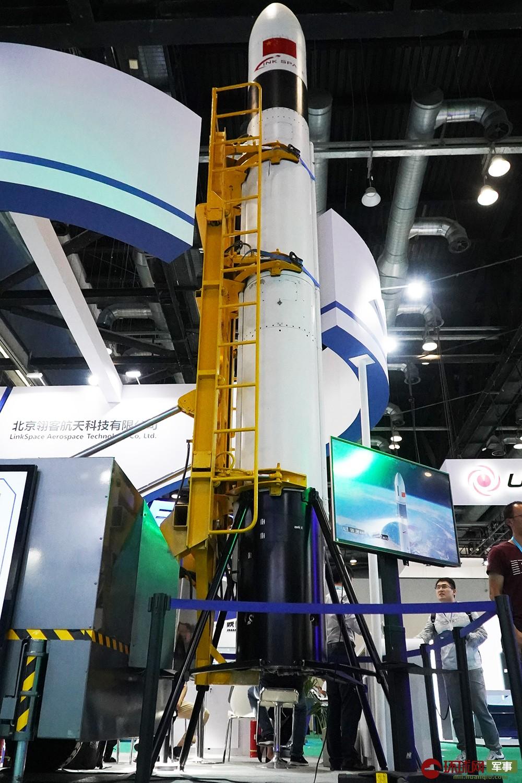 国产可回收火箭亮相航展 成本低至目前十分之一