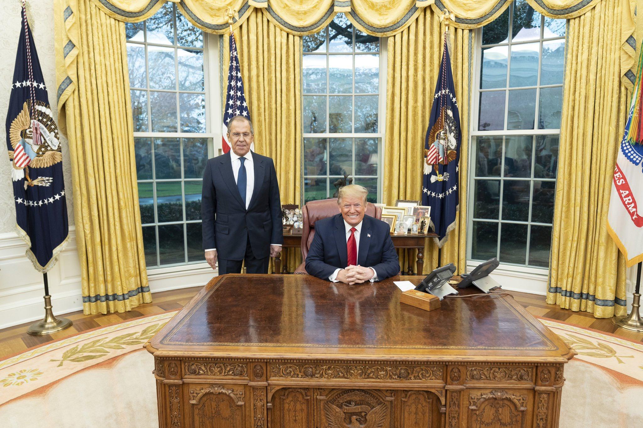 特朗普在白宫与拉夫罗夫会面 图自:特朗普推特