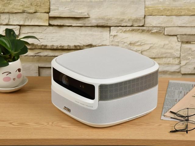 堅果J9智能投影評測:亮度升級,語音無需遙控器