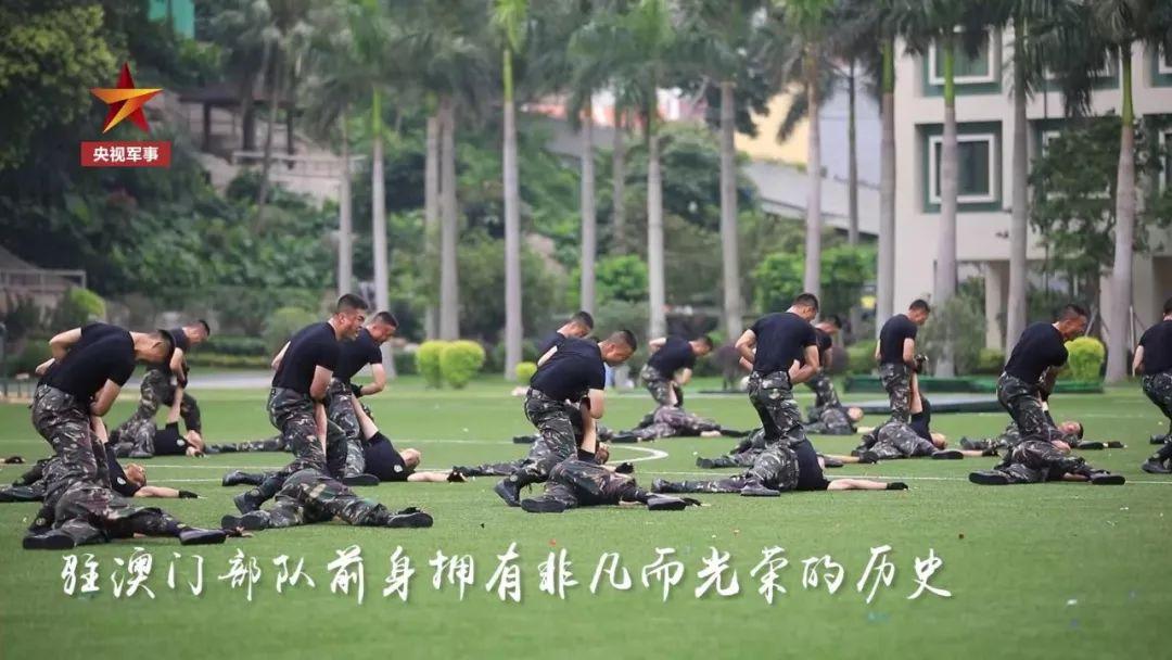 澳門回歸那一天 市民高呼:我們全都歡迎解放軍