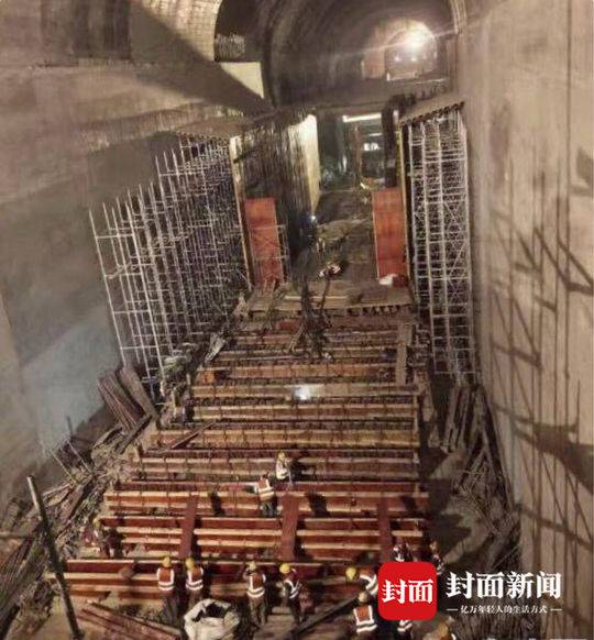 """穿越""""高鐵第一洞"""" 專家揭秘如何在玉京山隧道中架橋"""