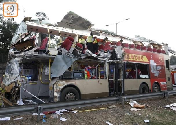 香港交通事故致6死39��:��L因