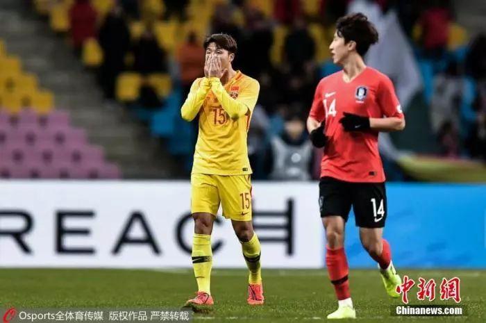 资料图:东亚杯第二场与东道主韩国的比赛中,国足选拔队0:1不敌对手,场面上也处于被动局面。图片来源:Osports全体育图片社