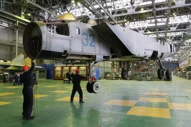 """俄战斗机工程师沸腾了 中国网购""""救""""了米格-31"""