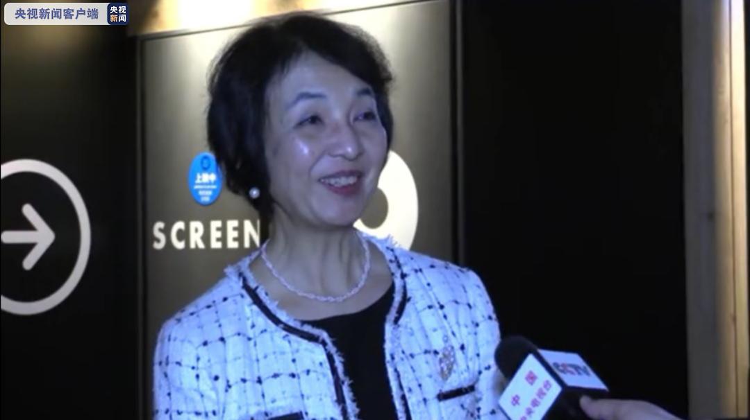△工学院大学孔子学院院长高桥惠子接受总台记者采访