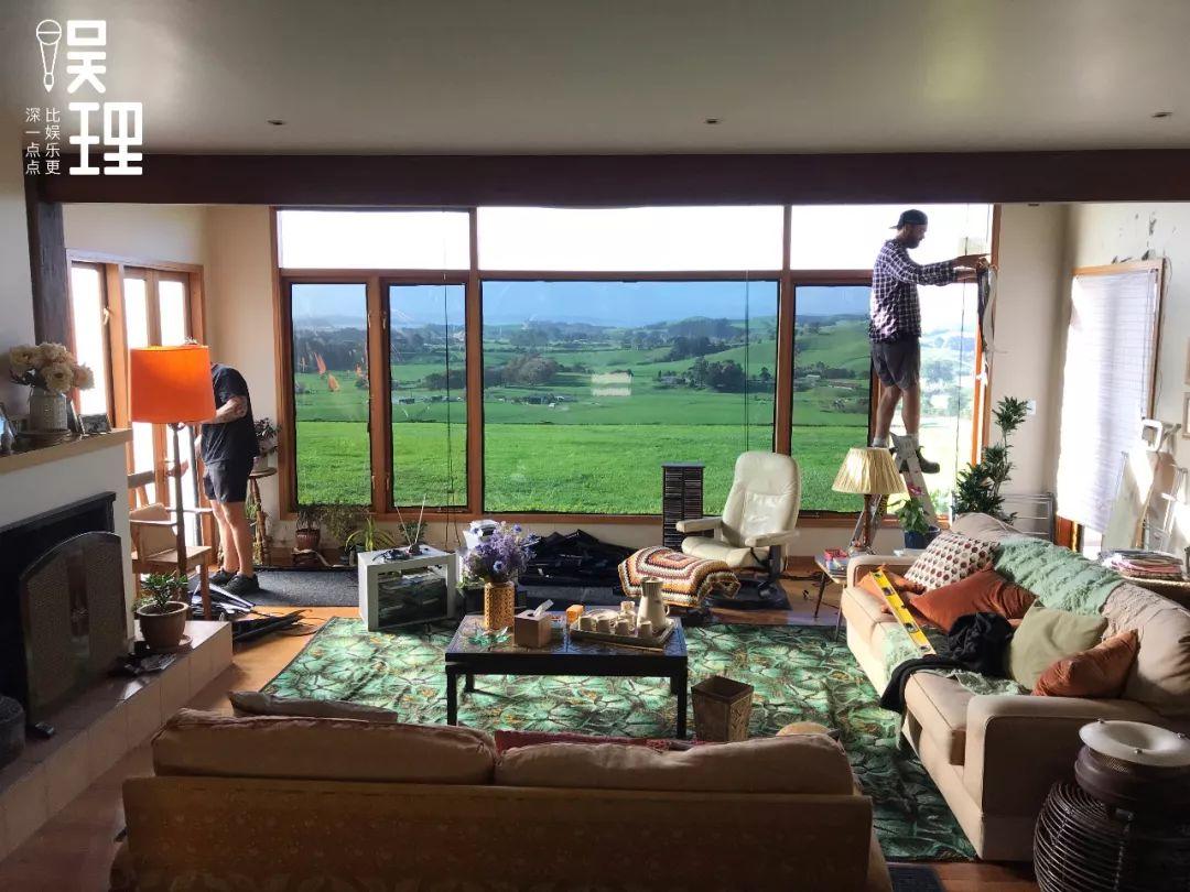 《只要芸知道》新西兰片场,隋春风、罗芸家的客厅(拍照:杨晋亚)
