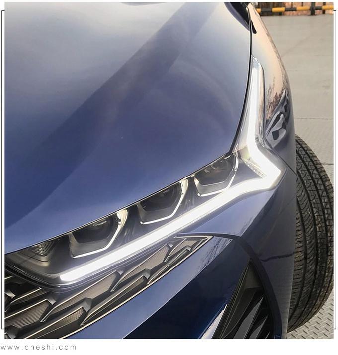 最美中型車?起亞新一代K5實拍 大溜背+貫穿尾燈