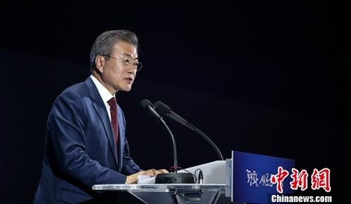 原料图片:韩国总统文在寅。