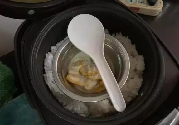 图 | 吴德宏去世前在热的饭