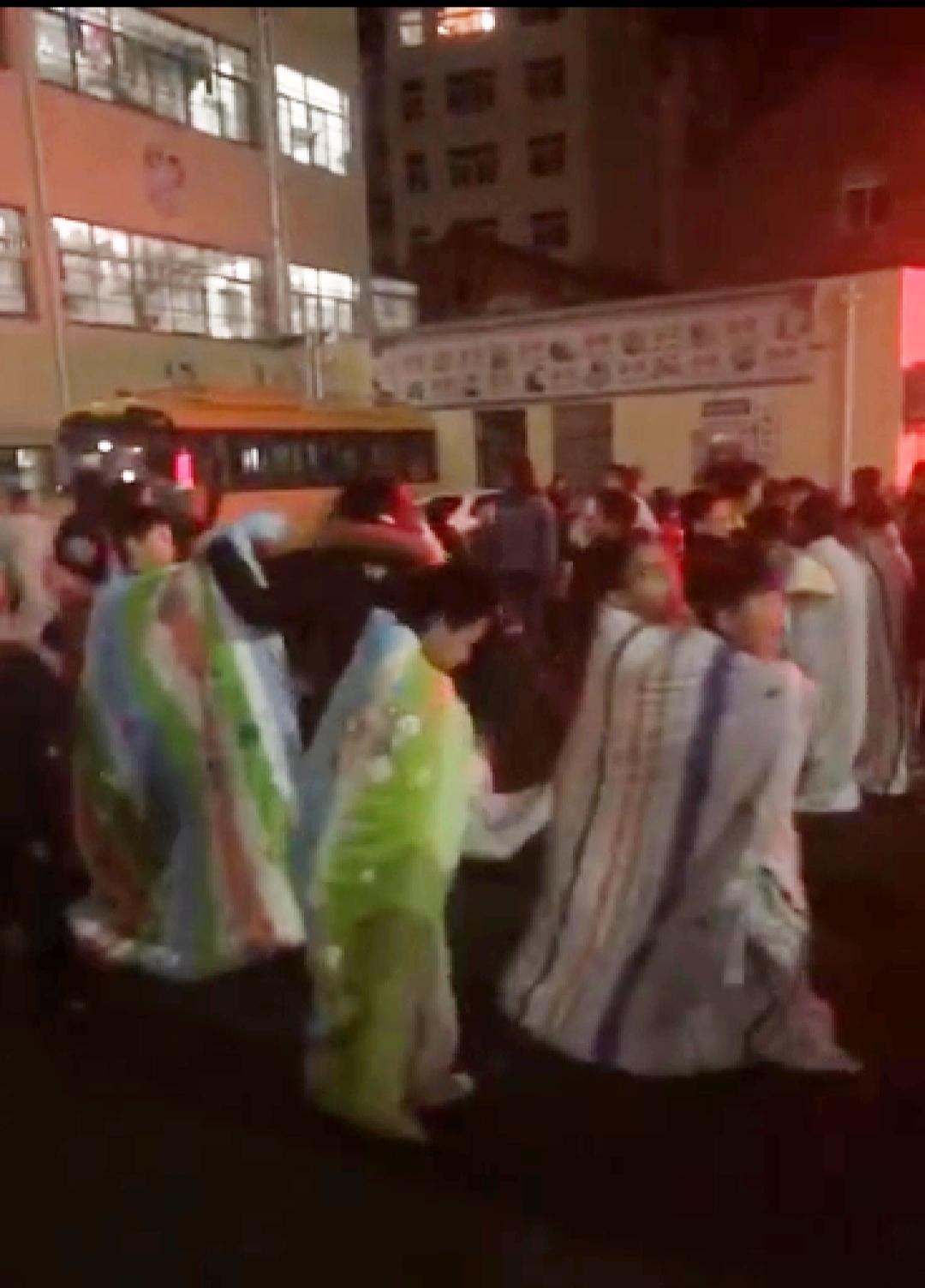 江苏南通启东市48岁抗疫医生朱峥嵘走了哀悼!