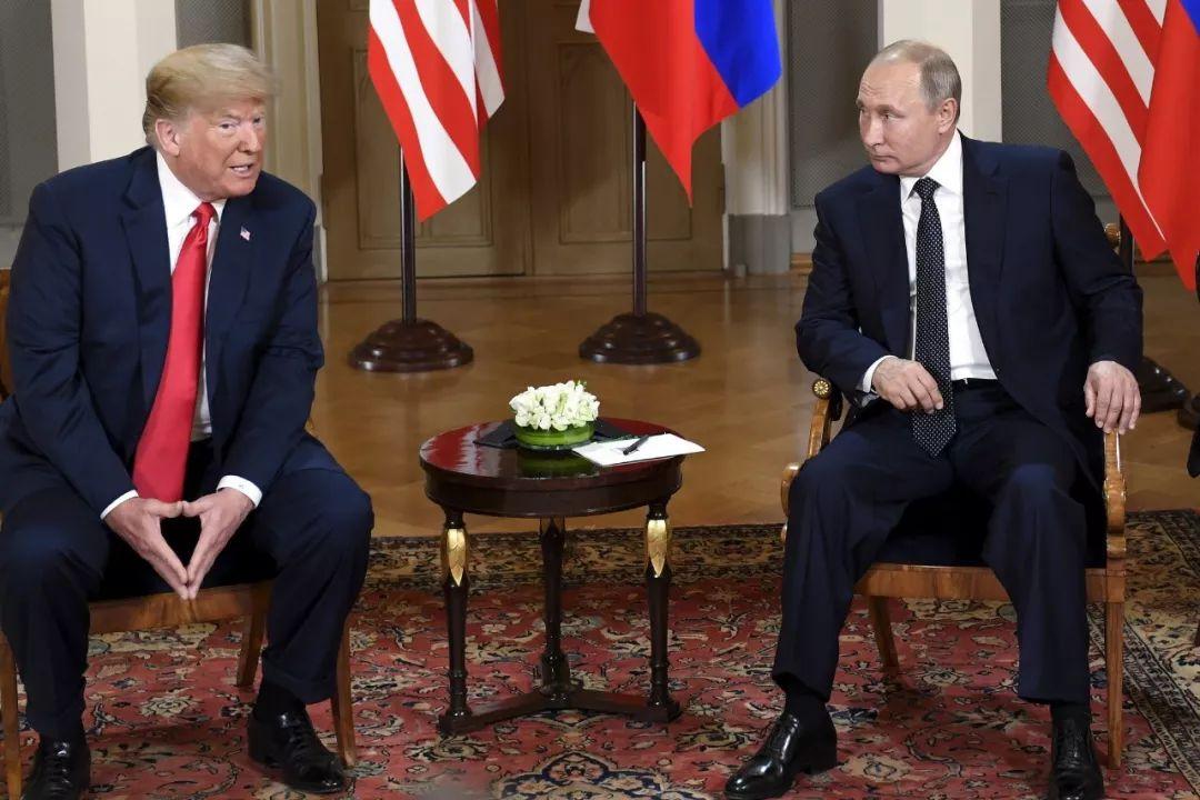 ▲资料图片:2018年7月16日,美国总统特朗普(左)和俄罗斯总统普京在芬兰首都赫尔辛基举行会晤。(新华社发)