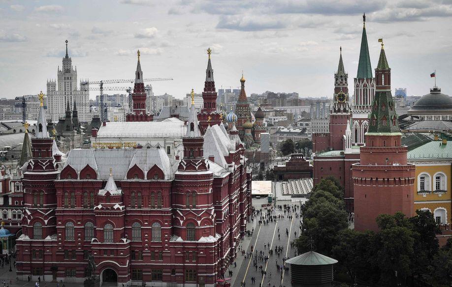 8月7日在俄罗斯首都莫斯科拍摄的克里姆林宫及周边建筑。新华社/法新