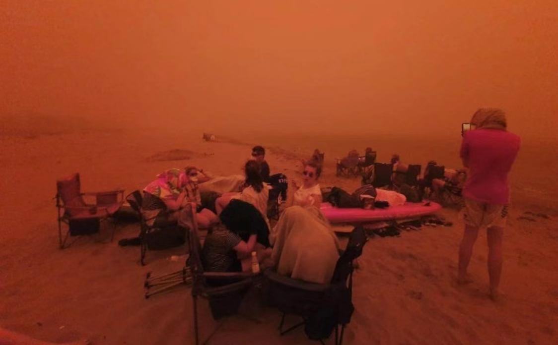 △部分地区居民被疏散到海滩上