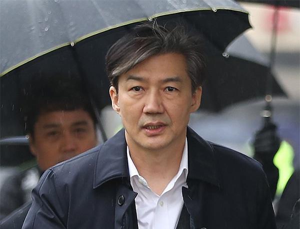 韩前法务部长官曹国被不捕直诉 女儿或遭殃