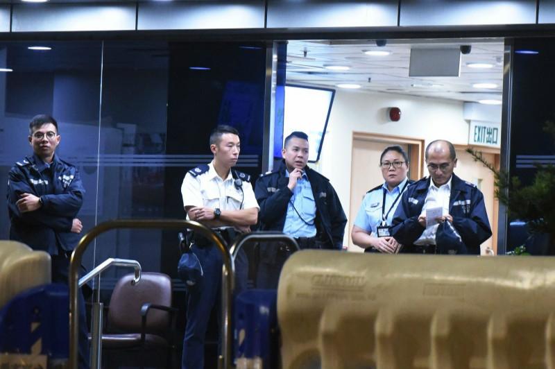 香港警方重聘退休警察 首批百人今日正式开工