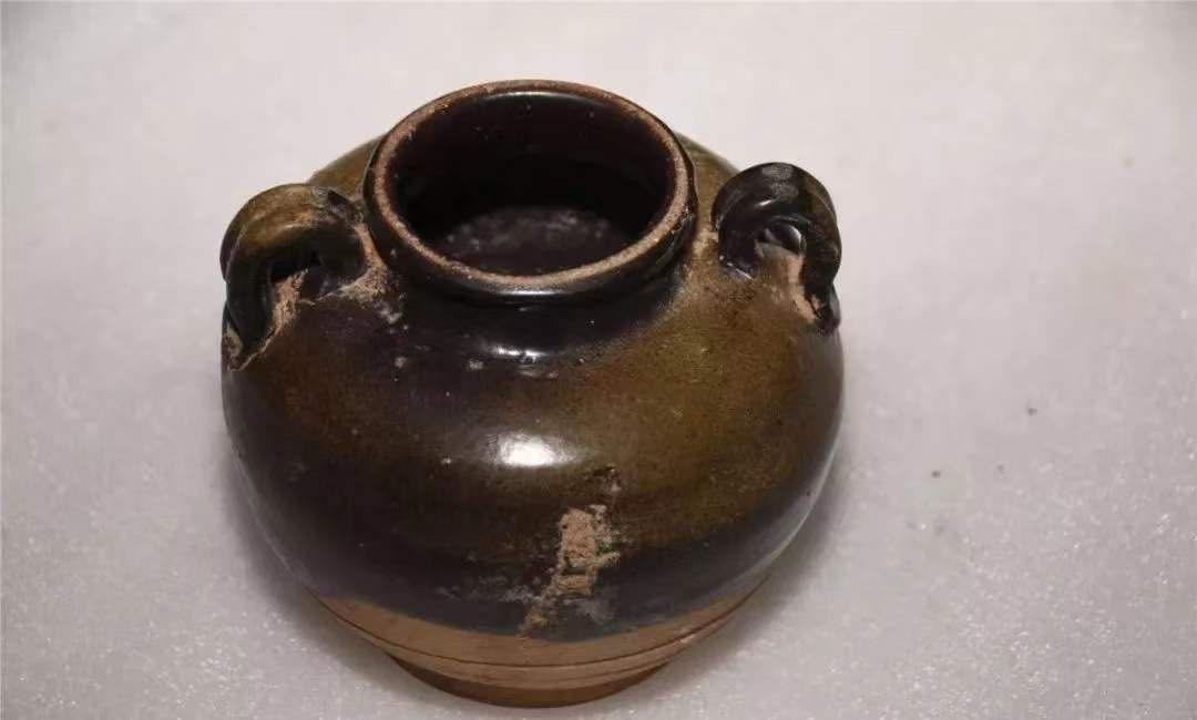 黑釉双系罐。磁县磁州窑博物馆供图