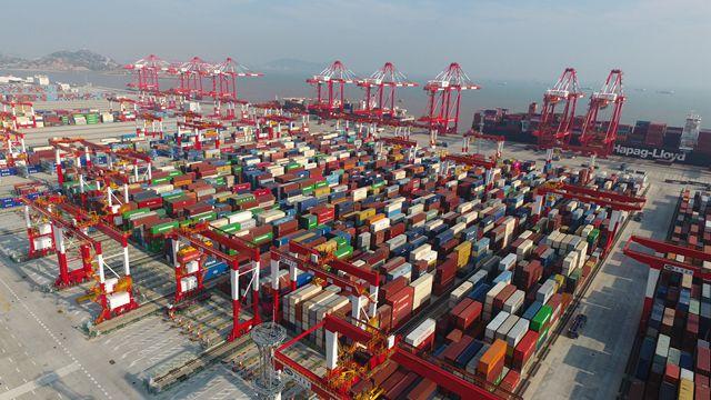 外汇局:11月我国国际货物和服务贸易顺差1604亿元