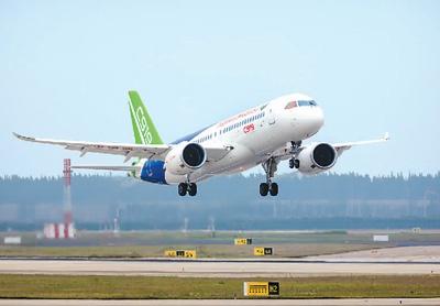 2017年5月5日,C919大型客机101架机首飞成功。中国商用飞机有限责任公司供图