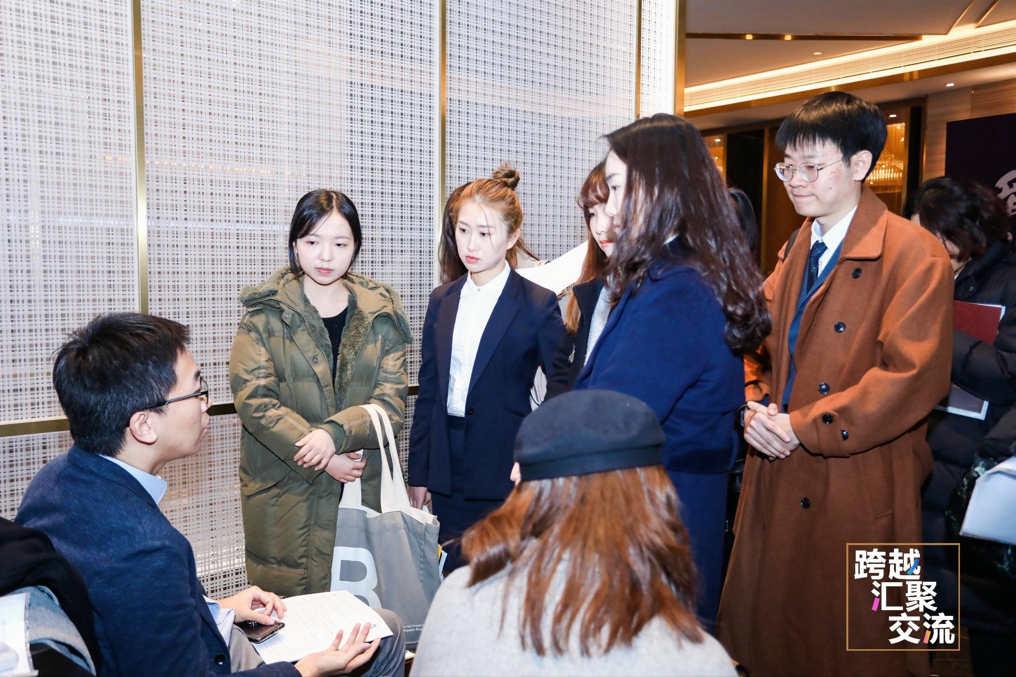 丁峰简历_华为、汇丰、特斯拉都来招聘了,两千多海外人才能否在上海