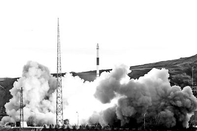 12月7日16时52分,快舟一号甲运载火箭一箭六星发射成功供图/新华社
