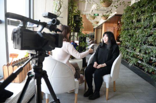 乔碧萝首次露脸采访:现在胖了 等瘦下去依旧好看 福利吧 第1张