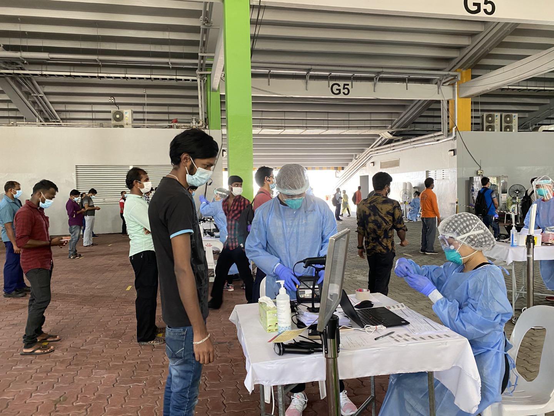 新加坡33万外籍工人感染新冠肺炎比例超过15%