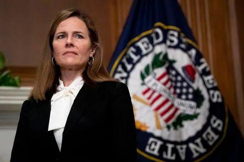 这是10月1日在美国华盛顿的国会拍摄的联邦第七巡回上诉法院法官埃米·科妮·巴雷特。新华社发(美国国会供图)