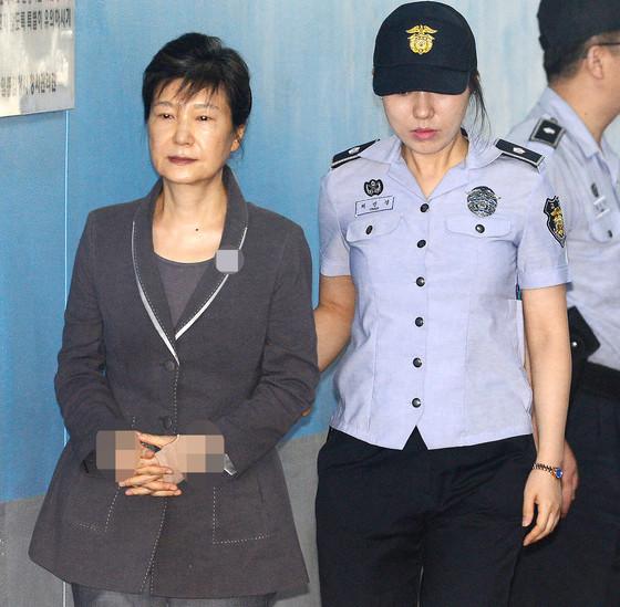 朴槿惠在狱中发出《致国民书》,被人举报