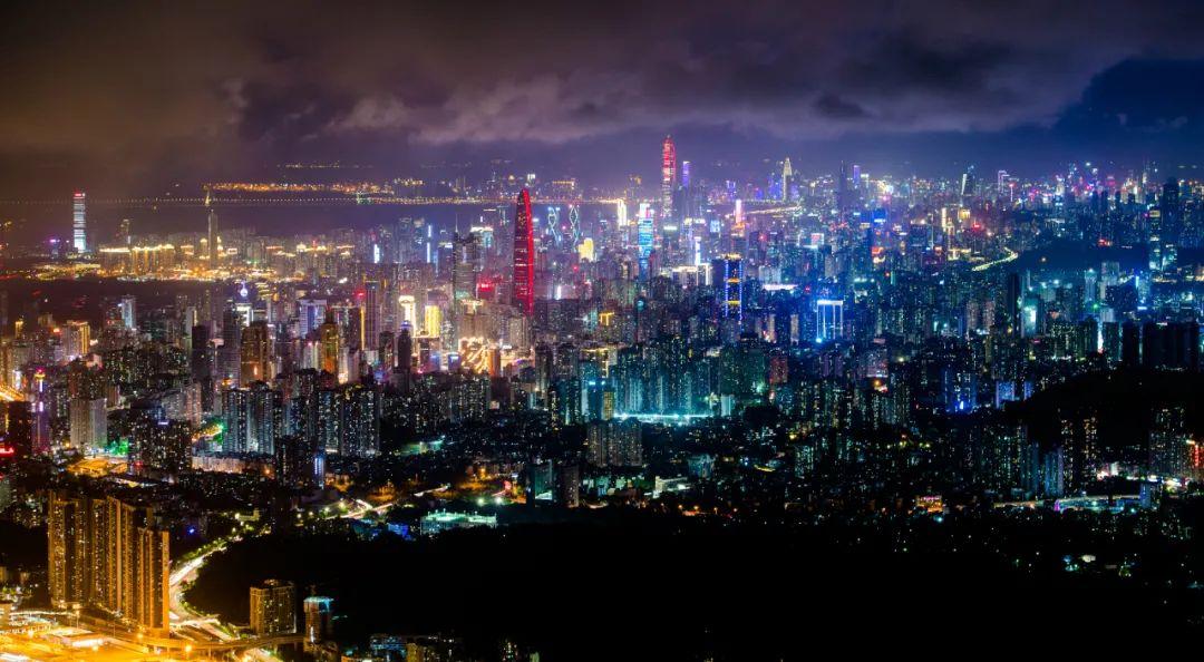 ▲这是9月16日拍摄的深圳夜景(无人机照片)。新华社记者 毛思倩 摄