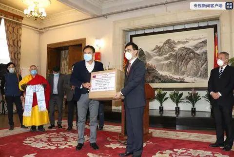 ▲2月4日,蒙古国文化和旅游界向中方施舍医疗物资。