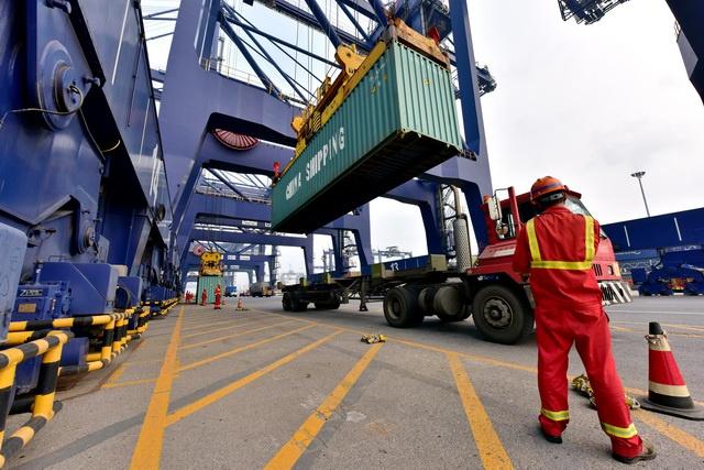 外贸持续好转:多港口外贸集装箱吞吐量增长明显