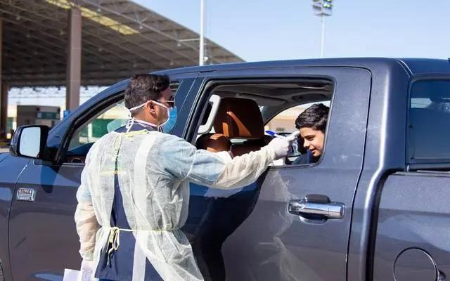 沙特政府将向每位因新冠肺炎去世医务人员家属提供高额补助