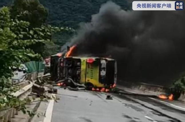 访港旅客暴跌99%!疫情下香港核心商区涌现空铺潮