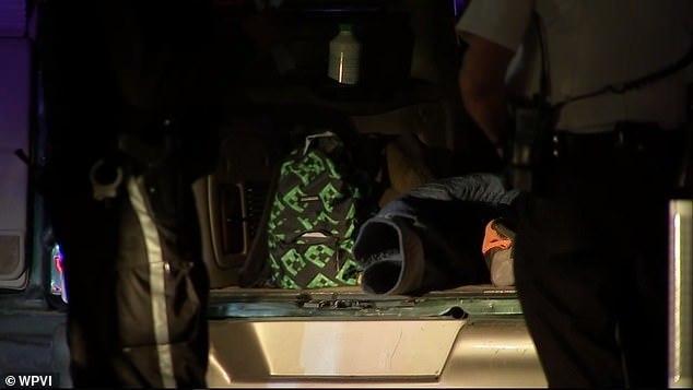 费城暴力抗议现场现装载炸药货车,拆弹小组展开调查