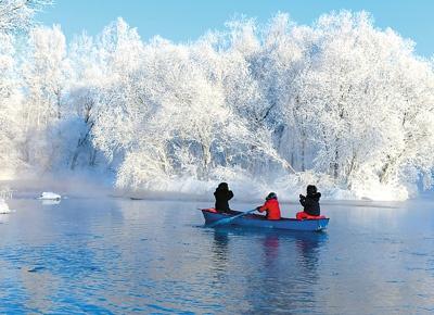 冰雪旅游时代来临 中国单个冰雪季游人超2亿次