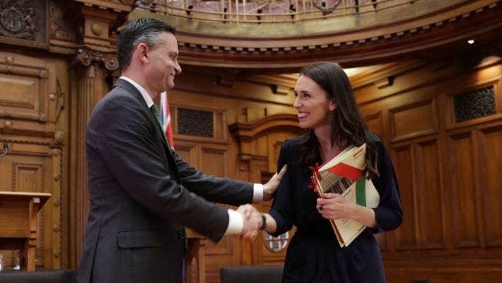 新西兰工党与绿党联合组建新一届政府