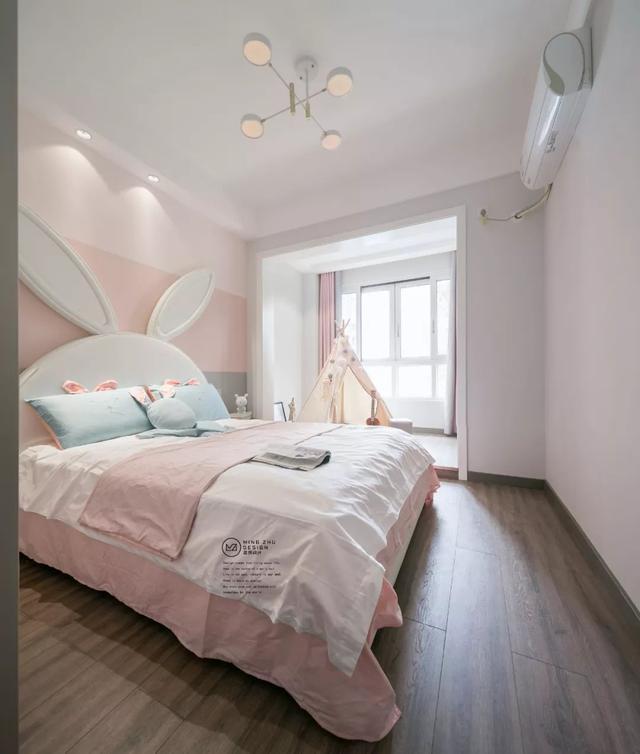 126m²小资情调四居室,隔绝都市的纷繁浮躁,享受生活的平静安逸