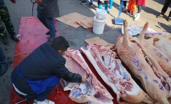 学校发猪肉奖励学生