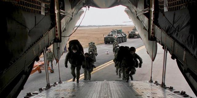 俄罗斯向纳卡地区安放维和部队 图源:俄国防部